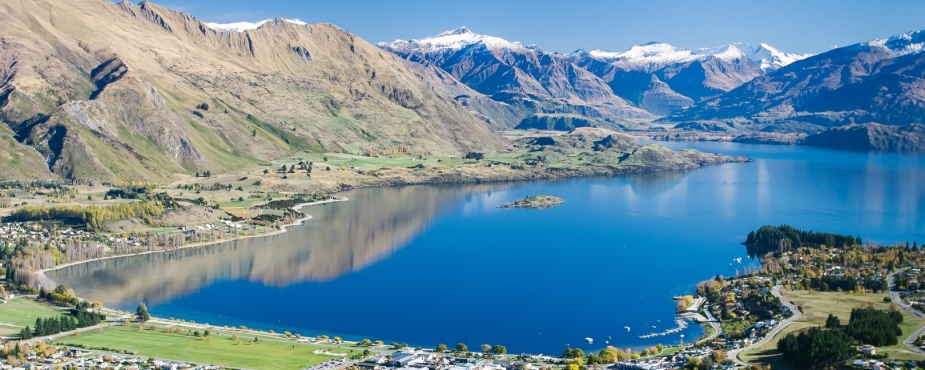 LakeWanaka view over town SD sml